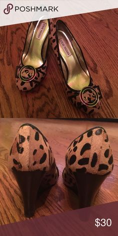 Steve Madden Leopard print wedge heels Size 8, worn once! In perfect condition. Beautiful, just too big for me! Real leather and man made materials Steve Madden Shoes Wedges