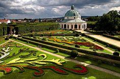 kvetna-zahrada-Kromeriz Baseball Field, Czech Republic, Taj Mahal, Golf Courses, City, Building, Amazing, Travel, Beautiful