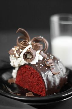 Sprinkle Bakes Red Velvet Bundt Cake... wow.