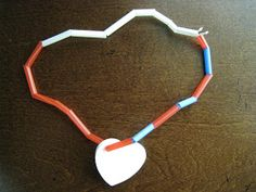 4 Crazy Kings: Straw Bead Necklace
