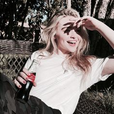 Image in sabrina carpenter theme collection by boujiie baby Sabrina Carpenter, Pretty People, Beautiful People, Western Girl, Girl Meets World, Aesthetic Girl, Celebs, Celebrities, Ulzzang Girl