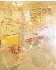 https://www.instagram.com/pinkinparadise808/