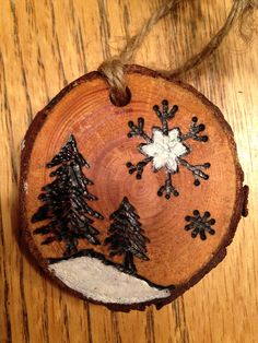 Rustic wood burned Christmas ornament - natural wood Christmas Wood Crafts, Homemade Christmas Gifts, Diy Christmas Ornaments, Christmas Projects, Holiday Crafts, Christmas Decorations, Wood Slice Crafts, Wood Burning Crafts, Wood Burning Patterns