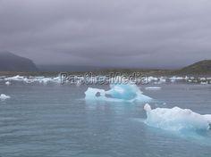 Der perlensuchende Eistroll war am Jökulsárlón (Vatnajökull) fündig geworden.