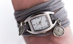 Hey, j'ai trouvé ce super article sur Etsy, chez https://www.etsy.com/ca-fr/listing/127135875/wrap-watch-with-real-flower-charm-grey
