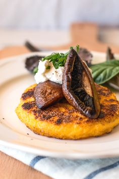 Polenta Cakes with Portobello Mushrooms and Burrata Cheese are an elegant dish you can make with few ingredients and little time on hand!
