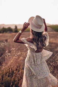 Alexa Chung dress + Maison Michel hat at Carneros Spa & Inn in Napa Valley Photography Poses Women, Girl Photography, Creative Photography, Fashion Photography, Outdoor Portrait Photography, Spring Photography, Moda Boho, Bohemian Mode, Inspiration Mode