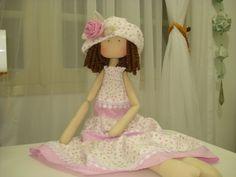 Boneca Júlia by :Viviana Garcia....(i love, love, LOVE this doll!...not to mention her photo shoot!)...