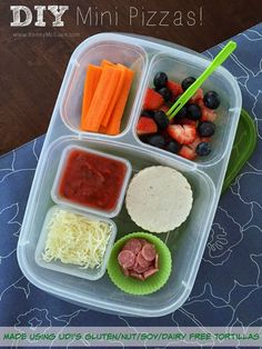 Lunch Made Easy: DIY Mini Pizzas {Build Your Own Gluten Free Pizzas}   packed in @EasyLunchboxes
