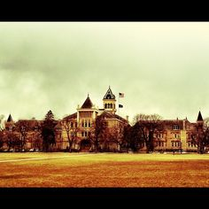 Beautiful Old Main shot courtesy of @Jameson Olsen