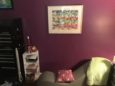 I moved it and hung it over the Tantra chair! Nice, huh? 😁  (And yes, thats a lava lamp - don't judge me. 😂🤣)