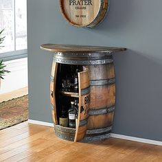 Here you can locate outdoor bar ideas that fulfill your hopes and also dreams. Designing an outdoor bar is so much fun. Select from these designs to make it less complicated! Whiskey Barrel Bar, Whiskey Barrel Furniture, Wine Barrel Table, Wine Barrels, Wine Barrel Crafts, Wine Cellar, Tonneau Bar, Wood Bar Top, Wooden Bar