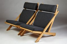 Oak, flagline and wool upholstery. H: 90 cm/ 35 1/2'' D: 90 cm/ 35 1/2'' W: 67,5 cm/ 26 1/2'' Seat Height: 37 cm/ 14 1/2''