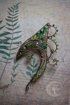 hand made fern ear cuffs from russia Ear Jewelry, Cute Jewelry, Jewelery, Jewelry Accessories, Jewelry Making, Bijoux Wire Wrap, Elf Ear Cuff, Ear Cuffs, Diy Accessoires