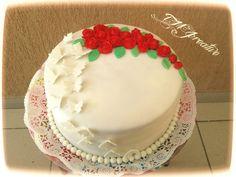 #TMJcreative #birthdaycake #fondant #redroses #butterflies #szülinapitorta