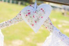 Cabide para vestido de noiva: 11 inspirações para ajudar na sua escolha - Blog do Elo7