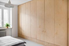 Find home projects from professionals for ideas & inspiration. KOSZUTKA by Joanna Kubieniec Bedroom Loft, Home Bedroom, Dressing Design, Plywood Storage, Plywood Interior, Closet Layout, Bedroom Photos, Built In Wardrobe, Minimalist Bedroom