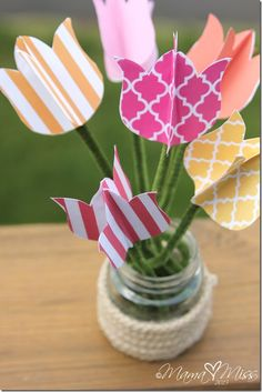 How to make these paper tulips, plus free printables to cut out to make the ones shown here