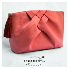 Sewing Pattern Fabric Clutch Purse with Weave Detail // PDF Instant Download by ConstructivPatterns on Etsy https://www.etsy.com/listing/185974903/sewing-pattern-fabric-clutch-purse-with