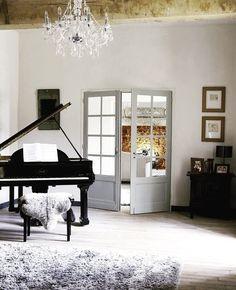 #fernandoleonespacios #salon #piano #relax #classy #interiorismo #arquitectura #decoracion #sundayevening #homedecor #design #porcelain #tiles #natural #wood #floor #decor #interiordesign #archilovers #love #top #feelings #pedreguer #denia