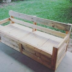 #pallet #bench & #storage at the same time