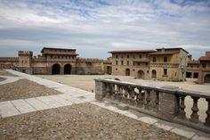 Film and Photo Shoot Renaissance City Backlot: City Wall (Main Square View)