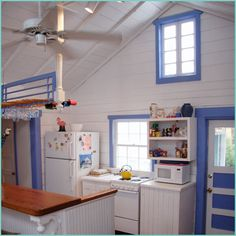 Love the way this blue is just enough--makes it very coastal, without being overdone.  Hmmm...