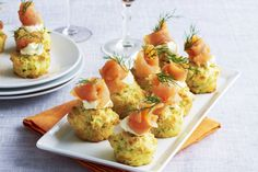 Cheddar, zucchini & corn mini muffins with salmon, a tasty savory afternoon tea treat Vol Au Vent, Savory Muffins, Corn Muffins, Mini Muffins, Party Food Buffet, Picnic Dinner, Smoked Salmon Recipes, Sandwiches, Appetisers