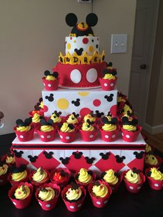 Mickey Mouse Birthday Cupcakes White Cake With Vanilla Buttercream