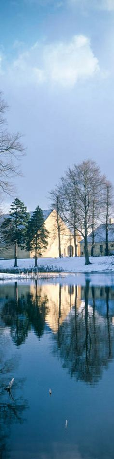 Hørsholm church lake in Hørsholm just outside Copenhagen. Taken just after a snowstorm and the sun came out...was a wonderful sight. #Denmark