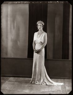 Princess Helen of Greece and Denmark, Queen Mother of Romania Romanian Royal Family, Greek Royal Family, Greek Royalty, Queen Victoria Family, Royal Families Of Europe, Grand Duchess Olga, Crown Royal, Royal Jewels, Casa Real