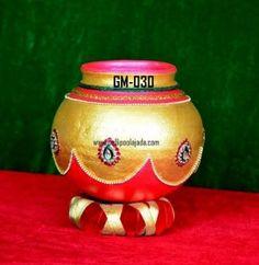 Order Ireni Kunda/ Grigamuntha from pellipoolajada Diwali Decorations, Festival Decorations, Wedding Decorations, Pottery Painting Designs, Paint Designs, Tray Decor, Diy Wall Decor, Kalash Decoration, Coconut Decoration