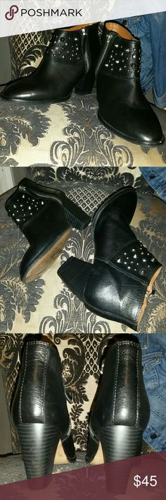 """ZARA studded leather booties sz 7/37 Excellent Condition from a smoke and pet free home, these fit a 6.5/7, black leather silver studded chunky heeles booties. I have worn these a handful of times, the price is firm as I'm not intent on selling yet Heel 3"""" Zara Shoes Ankle Boots & Booties"""