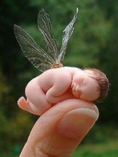 I just couldn't pass over these little fairy sculptures. but couldn't be used in an outdoor fairy garden. However, they could be used indoors in a sunroom fairy garden. Baby Fairy, Love Fairy, Fairy Dust, Fairy Land, Dragons, Kobold, Fairy Dolls, Magical Creatures, Fairy Houses