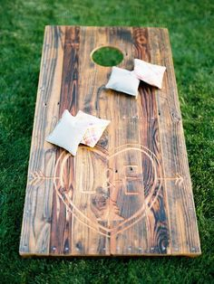 Outdoor Lawn Games during Cocktail Hour / http://www.himisspuff.com/country-rustic-wedding-ideas/5/
