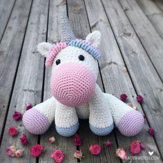 DIY – Virkad tuff mössa, slouchy beanie i reflexgarn Crochet Baby Costumes, Crochet Dog Clothes, Crochet Baby Boots, Crochet Daisy, Chunky Crochet, Crochet Bedspread Pattern, Crochet Baby Blanket Free Pattern, Baby Afghan Crochet, Crochet Patterns