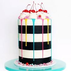Crazy Cakes, Fancy Cakes, Cute Cakes, Cake Decorating Videos, Cake Decorating Techniques, Cookie Decorating, Food Cakes, Cupcake Cakes, Cake Recipes