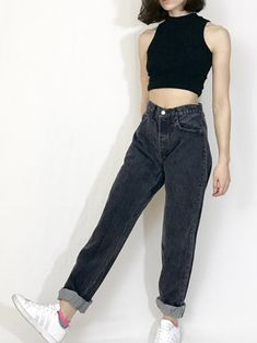 Black Mom Jeans Outfit, Casual Wear, Casual Outfits, Korean Fashion, Women's Fashion, Unisex Clothes, Vans Outfit, Daily Outfit, Winter Looks