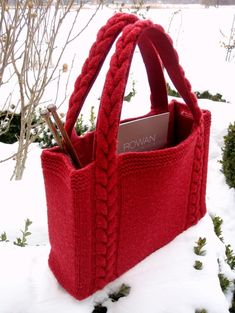 Best knitting bag pattern ideas From clutches to totes, from informal to night, from enjoyable to formal, these free knitting patterns gives you the proper bag for any event. Loom Knitting, Knitting Patterns, Crochet Patterns, Free Knitting, Bag Patterns, Crochet Handbags, Crochet Purses, Crochet Bags, Crochet Shoes