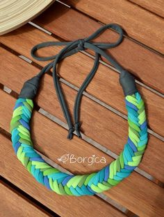 Turquoise Blue Lime Ombre Rope Bib Braided Necklace por Borgica