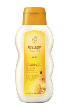Le lait corporel pour bébé de Weleda, à base de la plante de calendula procure à votre bébé les soins qu'il mérite. Ce lait corporel se compose à 100% d'ingrédients naturels qui nettoient, protègent et soignent la peau de votre bébé. En outre, les extraits de calendula ont un effet adoucissant et relaxant sur la peau.