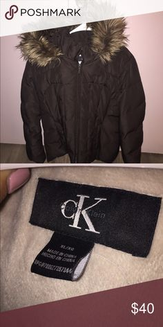 Calvin Klein winter coat Moderately worn Jacket. Very clean, good condition and super comfortable Calvin Klein Jackets & Coats Puffers