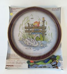 """Hummel Cross Stitch Vtg Paragon Needlecraft Mother Swan 0442 10"""" Round Frame #ParagonNeedlecraft"""