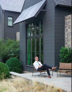 Modern Farmhouse color/siding and back porch Black House Exterior, Cottage Exterior, Modern Farmhouse Exterior, House Paint Exterior, Exterior House Colors, Exterior Siding, Cafe Exterior, Building Exterior, Design Exterior