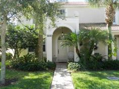 Denise Kaslow has just listed a Townhouse in Montecito, Palm Beach Gardens
