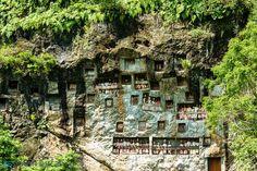 Simon Bučan » Travel, biking and mountains photography » Tana Toraja funeral sites – part II, Sulawesi