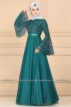 Hijab dresses evening gown dress evening fashion dresses and fashion most suitable in the price of the stylish designs at the new address I Selvi. Hijab Evening Dress, Hijab Dress Party, Party Wear Dresses, Fancy Dress Design, Stylish Dress Designs, Designs For Dresses, Mode Abaya, Mode Hijab, Muslim Women Fashion