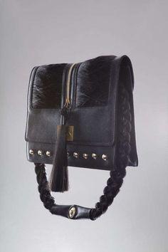Human Hair Handbags - Taeseok Kang Creates Disturbingly Chic Couture (GALLERY)
