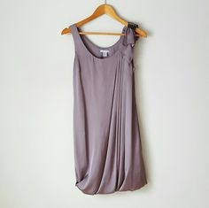 {H&M} Silky Sleeveless Shift Dress -Outer: 100% polyester -Lining: 100% polyester  -Bubble style bottom -Color is more grey/taupe than the way it turned out in the pictures. (With a slight purple undertone.) *H&M sizes run small ⭐HP 9-12-16 Casual Cool⭐  📷 by @alinasher H&M Dresses Midi