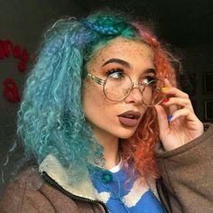 Aesthetic Hair, Aesthetic Grunge, Aesthetic Makeup, Trendy Hairstyles, Straight Hairstyles, Grunge Hairstyles, Pelo Multicolor, Curly Hair Styles, Natural Hair Styles